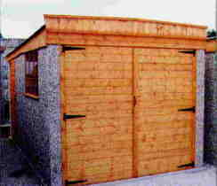 APEX GARAGE WITH WOODEN DOORS